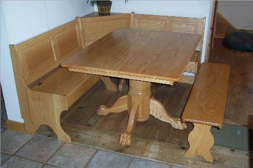 Kitchen table bench for a relaxing dining time