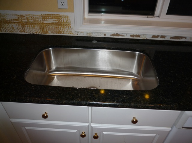 Single bowl kitchen sink choices